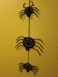 Crochet spiders