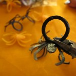 Cutting plastic spider ring