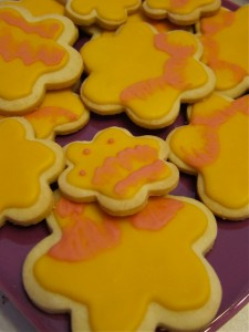 Flower cookies with brush embroidery