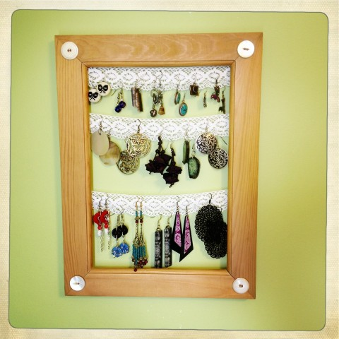 Lace earring holder by Bubblegum Sass