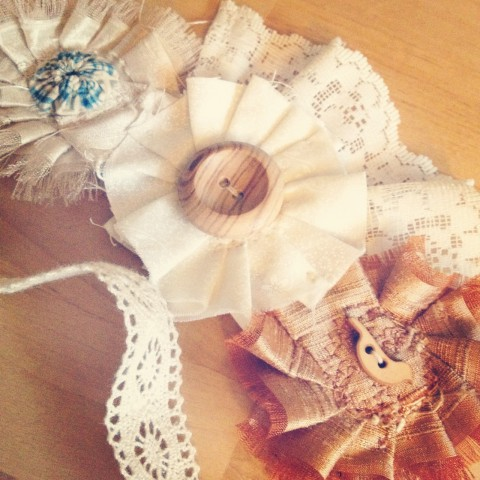 Bridal accessory with cute blue & bird details