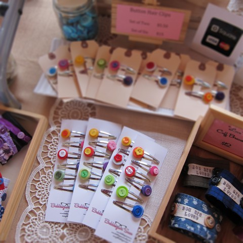 Colourful button hair clip sets
