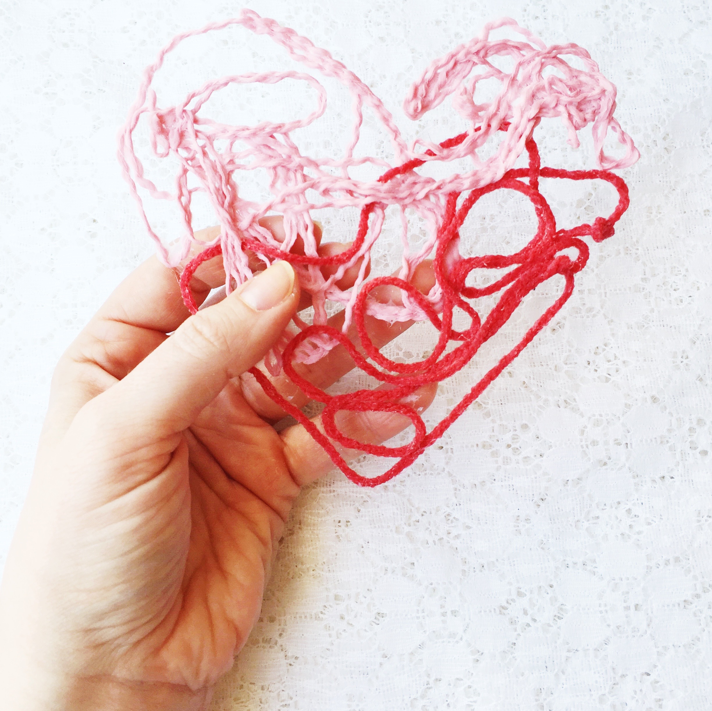 DIY yarn heart kids craft