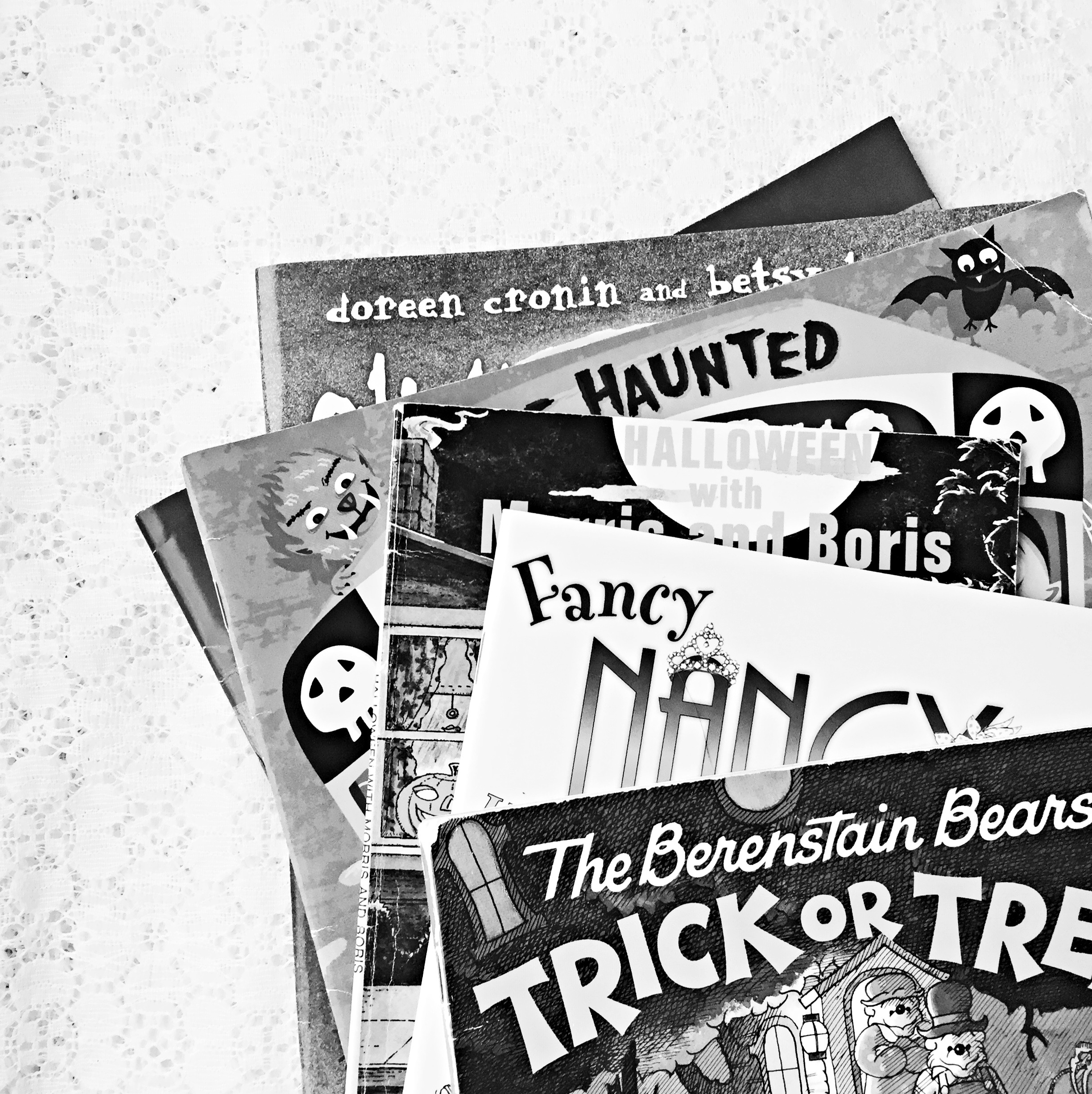 Reading Time: Our Fave Halloween Books ~ Books for kids