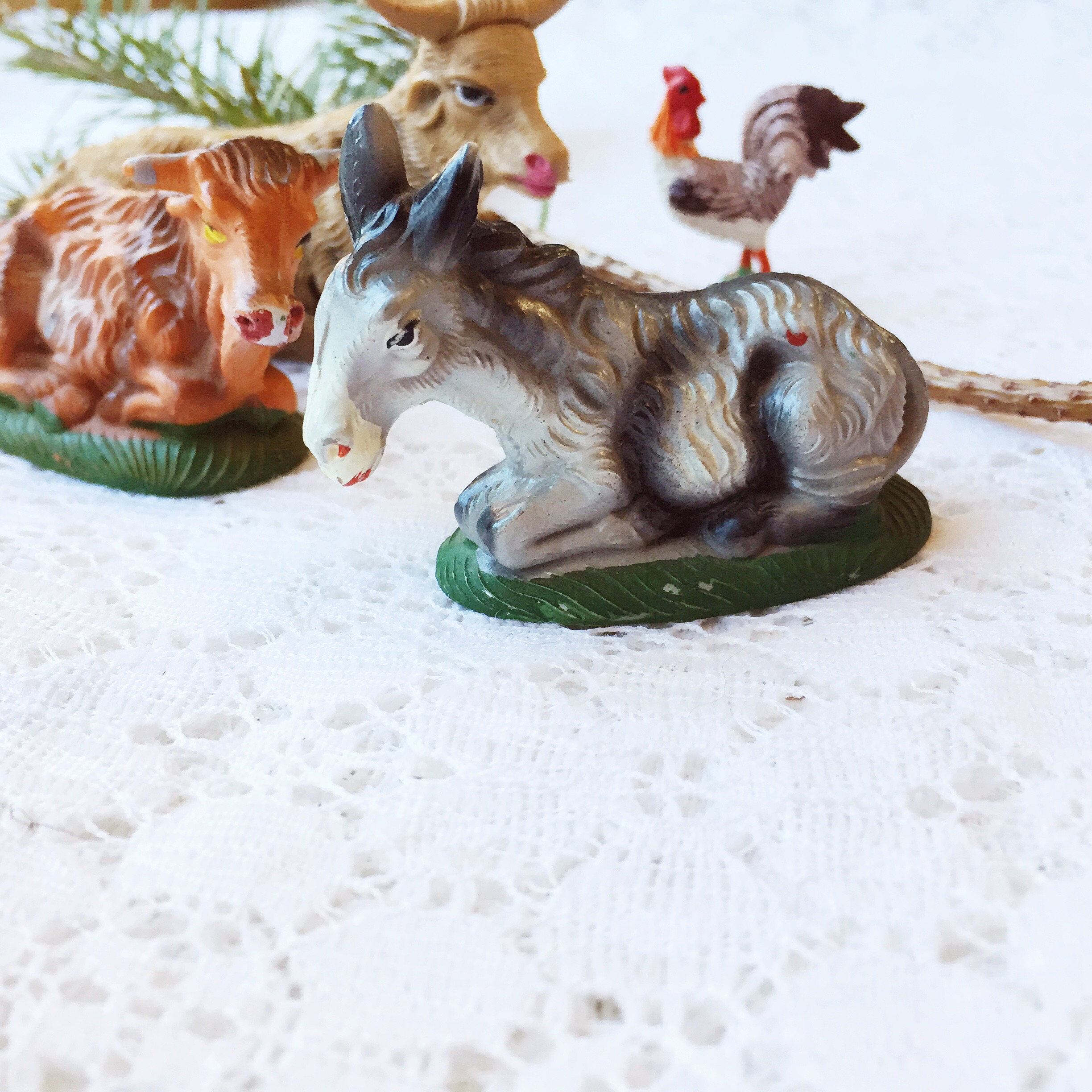 Countdown to Christmas with Vintage Nativity Set